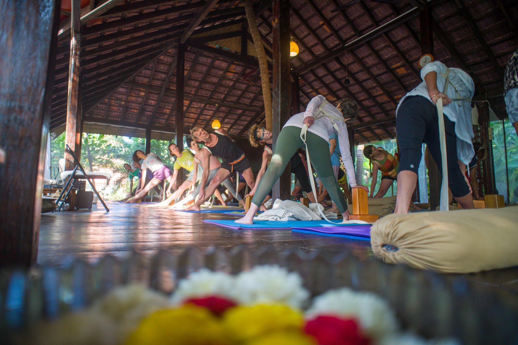 retrea-yoga-teacher-training-goa-1
